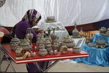 مردم محصولات صنایع دستی را وارد منازل خود کنند