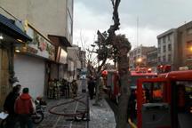 کارگاه مبل سازی خیابان جمهوری تهران در آتش سوخت