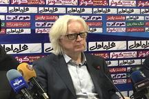 سرمربی تیم استقلال تهران: ذوب آهن، پیروزی را در هوا چنگ زد