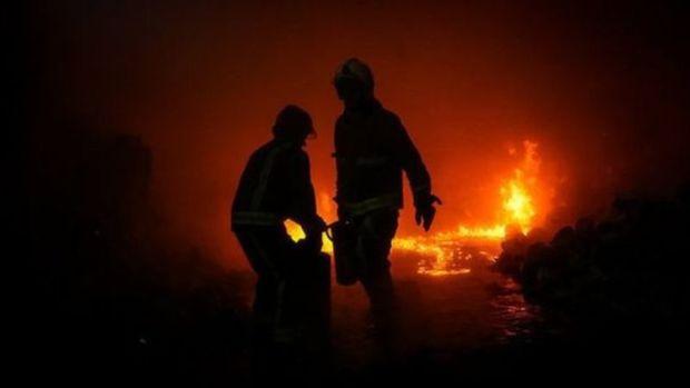 بخشی از ساختمان دانشگاه علوم پزشکی جهرم آتش گرفت