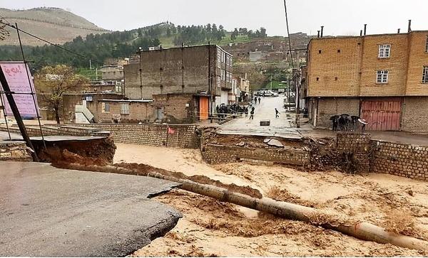 محور پلدختر- خرمآباد قابل بازسازی نیست  مشکل قطع آب معمولان پابرجاست