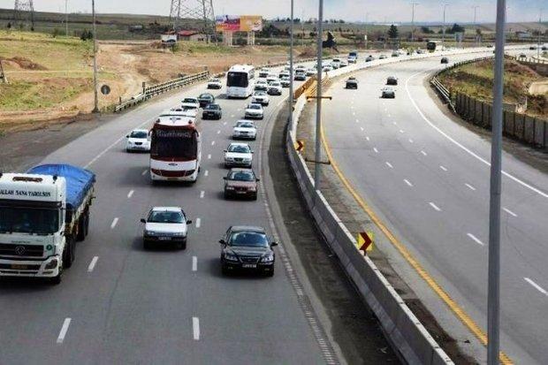 ترافیک در محورهای اصلی سمنان پرحجم و عادی است
