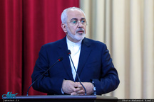 ظریف: سفیر ایران در دانمارک اخراج نشده است/ رد پای موساد در حادثه تروریستی دانمارک