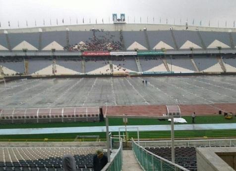 هم اکنون ورزشگاه آزادی/ تصاویری از ورود هواداران به استادیوم