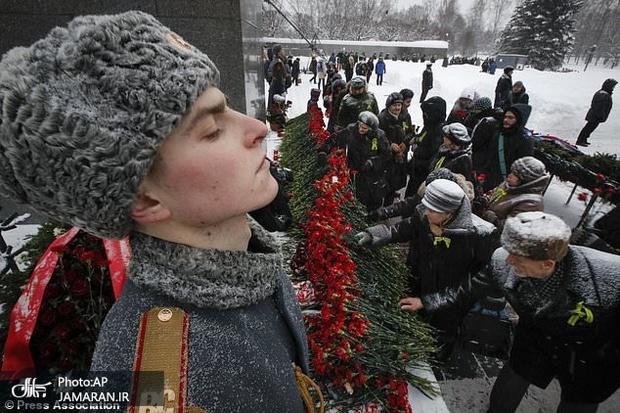 روسیه در حال و هوای پایان محاصره لنینگراد+ تصاویر