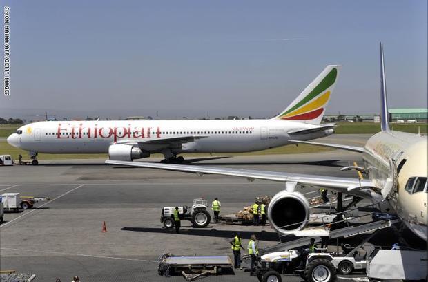 سقوط یک هواپیمای مسافربری اتیوپی با 157 سرنشین+ عکس
