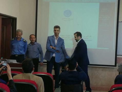 عادل فردوسی پور در جلسه دفاع دکتری+ عکس