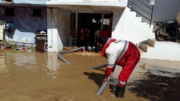 هلال احمر به سه هزار و 905 نفر در سیل کرمان امدادرسانی کرد