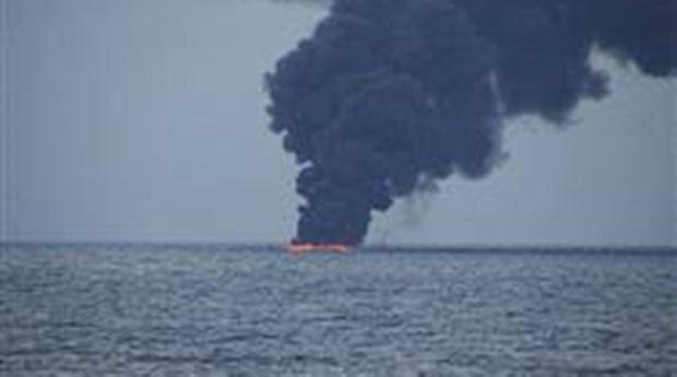 یک فروند کشتی حوالی بندردیرآتش گرفت
