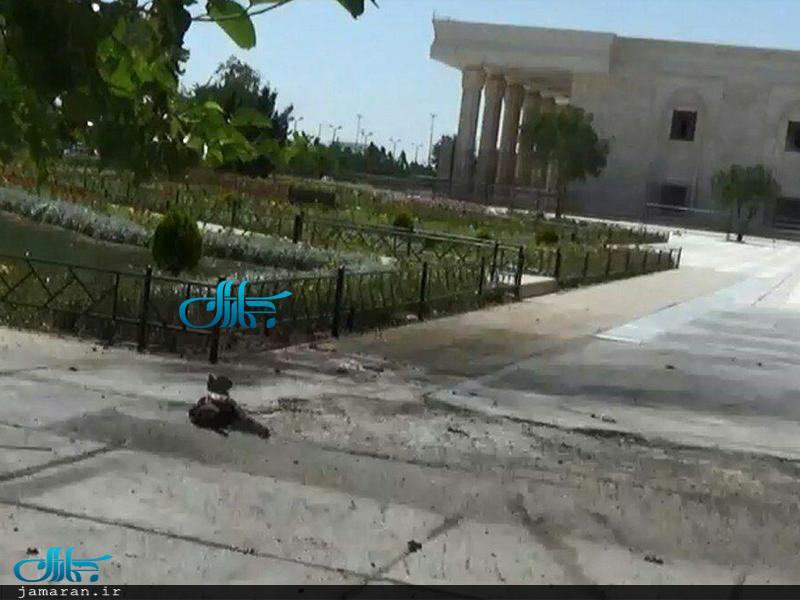 لحظه انفجار عامل انتحاری حمله تروریستی در پیرامون حرم مطهر امام خمینی (س)