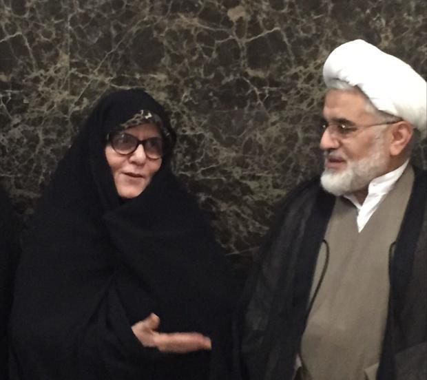 حضور عبدالله نوری در بیمارستان شهید رجایی برای ملاقات با مهدی کروبی