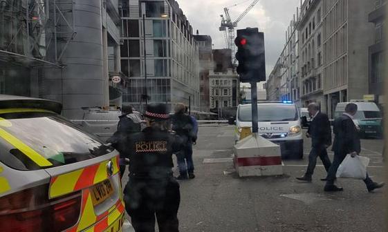 تخلیه مرکز لندن درپی کشف بسته مشکوک+ تصاویر