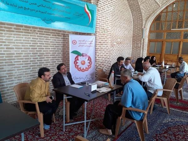 مراجعه 64 نفر به میز خدمت بهزیستی قزوین در حاشیه نماز جمعه
