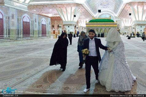 آغاز زندگی مشترک زوج جوان در حرم مطهر امام خمینی+ تصاویر