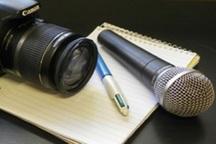 خبرنگاران جامعه را به سوی رستگاری رهنمون می کنند