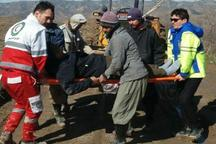 هلال احمر مراوه تپه یک بیمار روستایی محصور دربرف را نجات داد