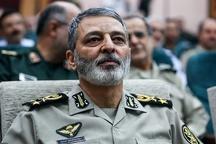 فرمانده کل ارتش: اگر دشمنان بخواهند ما را در خانه درگیر کنند، آنها را در ورای درگاه خانه سرکوب خواهیم کرد