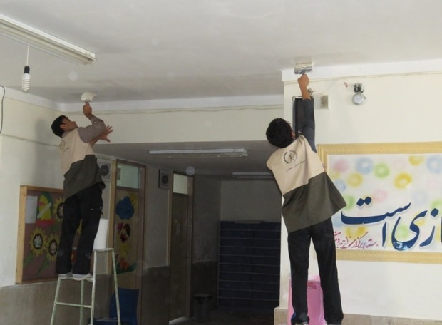 300 دانش آموز در بهسازی مدارس درمیان مشارکت دارند