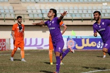 باشگاه اروند خرمشهر از سرمربی تیم فوتبال بادران شکایت کرد