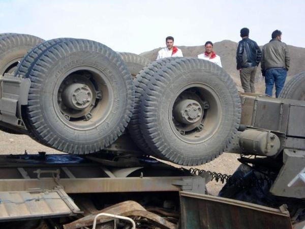 واژگونی تریلی در جاده نیشابور به مشهد