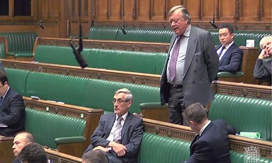 چرت نماینده مجلس در جلسه پارلمان+ تصاویر