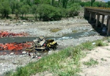 سقوط مرگبار کامیون از پل در رابر