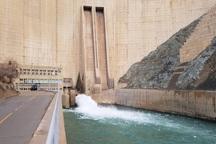 خروجی سد زاینده رود 10 متر مکعب بر ثانیه است