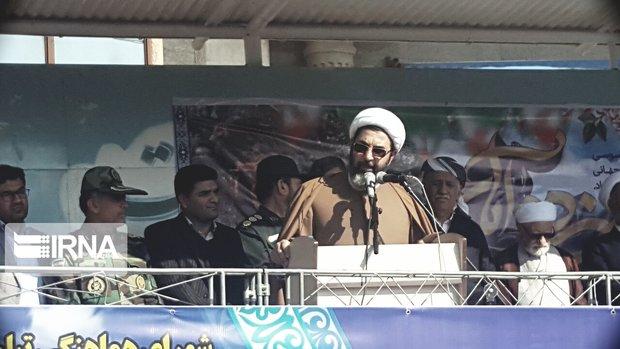 ایستادگی و پایمردی جوانان ایران را مقتدرتر میکند