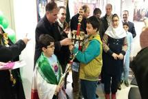 شهرداری اردبیل از نخبگان حمایت می کند