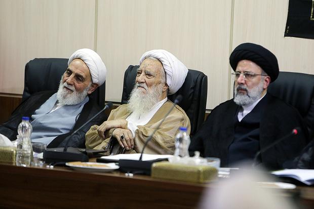 ناطق نوری در کنار آیت الله موحدی کرمانی در جلسه مجمع تشخیص + تصاویر جلسه