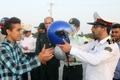 اهدای یک هزار کلاه ایمنی به راکبان موتور سیکلت در قزوین