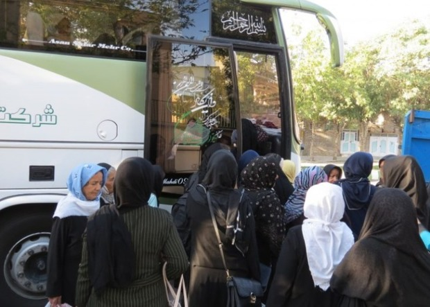 یک هزار بانوی مددجوی کمیته امداد فارس به مشهد مقدس می روند