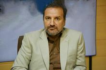 فرماندار زنجان پشت میز خدمت می نشیند