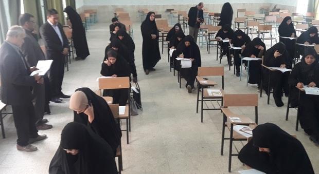 70 نفر در آزمون سراسری حفظ قرآن در گناوه شرکت کردند