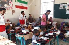 توزیع 400 بسته ارمغان مهر بین دانش آموزان نیازمند نیکشهر و قصرقند