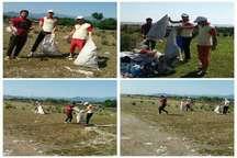 ناجیان غریق، نوار ساحلی آستارا را پاکسازی کردند