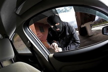 سارق خودروهای شاسی بلند در فارس دستگیر شد