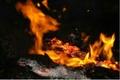 4 امدادگر کوه خامی در محاصره شعلههای آتش  شرایط فرود بالگرد فراهم نشد