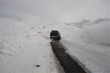 برف بهاری راه ارتباطی 20 روستای چاراویماق را مسدود کرد