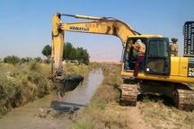 آغاز لایروبی نهرهای آبیاری و زهکشی شاوور در خوزستان