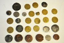 38 عدد سکه تاریخی در بناب کشف شد