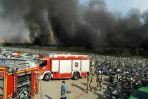 آتش سوزی گسترده انبار کالا در مشیریه تهران مهار شد
