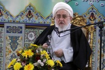 امام جمعه رشت: دشمن با توهین به مسئولان به دنبال بی هویت کردن جامعه است
