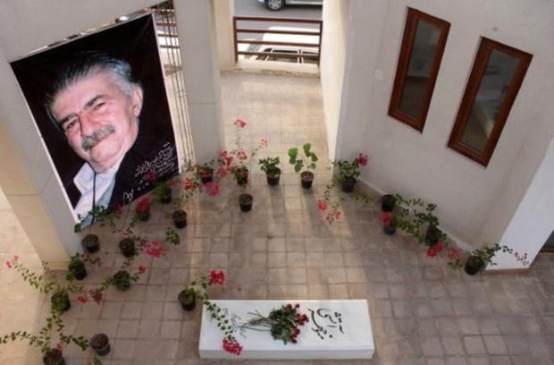 کتاب مقاله ها و نقدهای ادبی منوچهر آتشی در بوشهر رونمایی شد