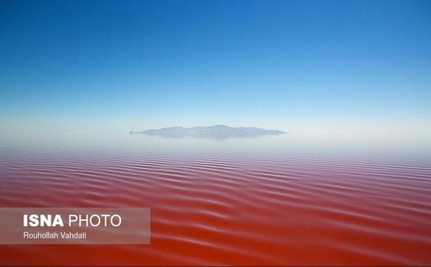 افزایش پنج برابری تراز دریاچه ارومیه، غیرواقعی است