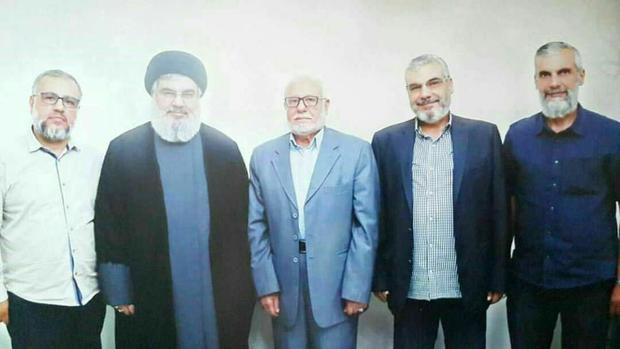 جدیدترین تصویر سید حسن نصرالله در میان پدر و برادران خود
