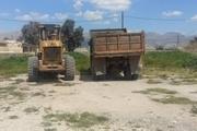 خودروهای درحال برداشت غیرمجاز خاک در جهرم توقیف شدند