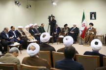 رهبر انقلاب اسلامی: نباید اجازه داد یاد شهیدان در اثر جلوههای کاذب فراموش شود