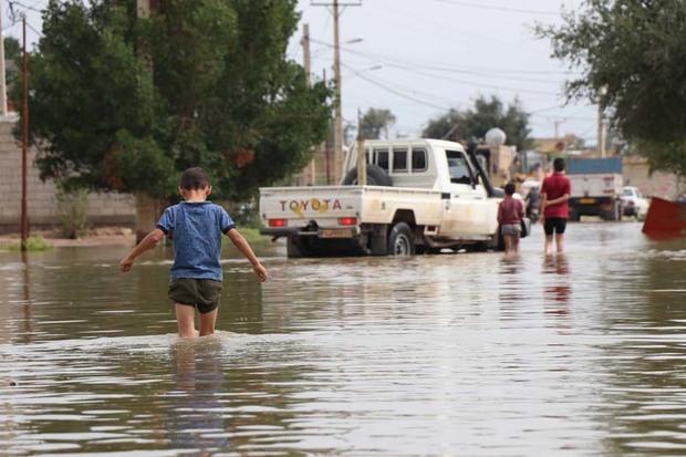 ارتفاع آب در خیابان های شهر گوریه شوشتر رو به کاهش است