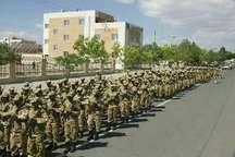 آئین روز ارتش و رژه نیروهای مسلح در آران و بیدگل برگزار شد